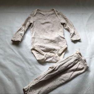 BABY GAP 2 piece set -long sleeve onesie & pants